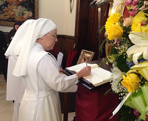 7-Signing Memorial Book